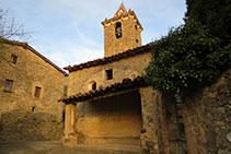 Iglesia y campanario de Sant Romà de Joanetes.