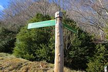 Cartel indicativo al Puigsacalm por el Pas dels Burros o por el Puig dels Llops.