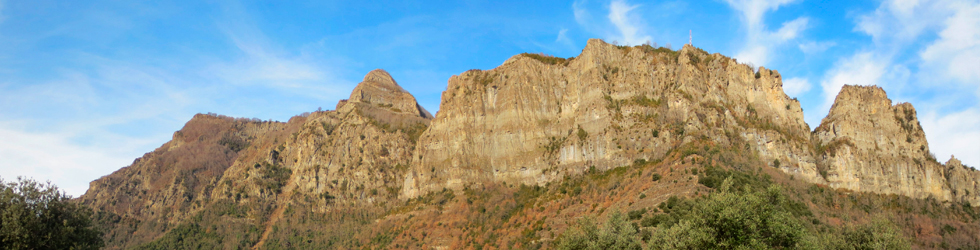 Puigsacalm (1.515m) y Puig dels Llops (1.486m) desde Joanetes