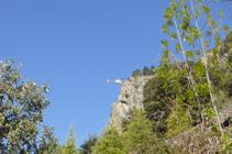 Helicóptero trabajando en el Roc de los Corbs.