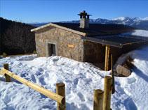 Refugio Oller situado en un auténtico belvedere