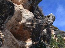 """Curiosa formación rocosa justo en el punto dónde cogemos el """"Camí de la Roca de Canalda"""""""