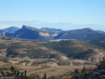 Vistas a la Sierra de Busa con el Cogul y el Capolatell