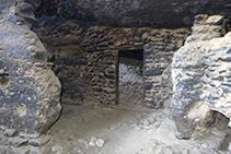 Interior de la Casa del Corb.