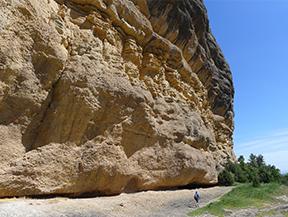 Roca del Corb y Roc de Cogul desde Peramola