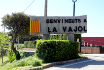 Entrada al pueblo de La Vajol.