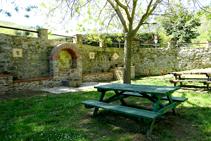 Fuente cerca de la plaza de Lluís Companys.