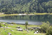Vistas inmejorables del Estany de la Llebreta.