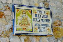 Azulejo en la ermita de la Mare de Déu de les Alegries.