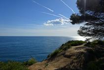Vistas del mar desde la punta de Fenals.