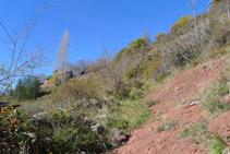 Subimos directamente hacia las primeras casas de Llagunes (al fondo).