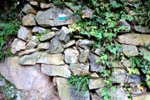 Muros de piedra seca en la cantera de la Font de l´Arç.