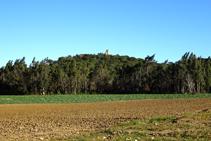 El castillo de Sant Iscle desde Can Gener.