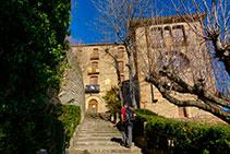 El Santuario de Queralt desde las escaleras de acceso.