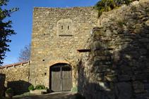 Detalle de una de las entradas al castillo de la Sala.