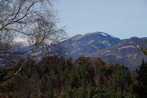 Vistas a las sierras de Montgrony y de Sant Amand.