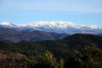 El macizo del Canigó desde la sierra de Puig d´Estela.