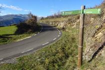El sendero nos deja en una curva de la carretera LV-5131.