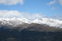 El Balandrau, el Tres Pics y el Puig de la Fontlletera.