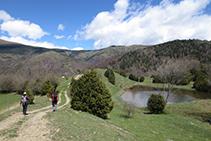 Llegando al lago de Can Roca.
