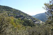 Vista a Aixirivall desde el camino de la Solana.