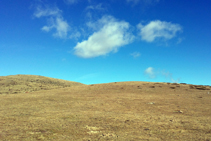 Continuación del lomo, ahora casi sin vegetación.