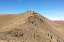 La cima de la Torreta del Orri desde la cresta.