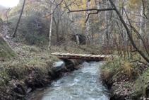 Puente sobre el barranco de Llagunes.