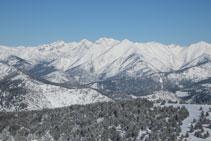 Distinguimos las 3 puntillas de la Pica d´Estats, el pico de Sotllo y el Monteixo.