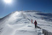 Último tramo antes de llegar a la cima, progresando por el lado de las pistas de esquí de Port-Ainé.