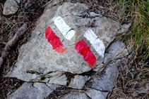 Señales blancas y rojas del GR 150.1.