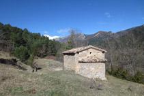 Exterior de la ermita de Sant Joan del Avellanet.