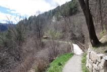 Tramo de la Vía del Nicolau entre Bagá y Guardiola de Berguedá, el camino es fácil y agradable.