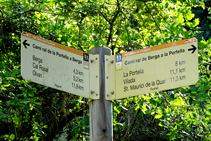 Señal indicativa del camino real de Berga a la Portella.