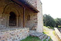 Portal de Sant Quirze de Pedret.