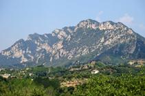 La sierra de Queralt y el santuario.