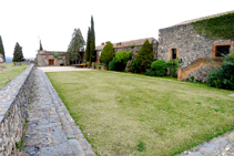 Patio del castillo (fuera de ruta).